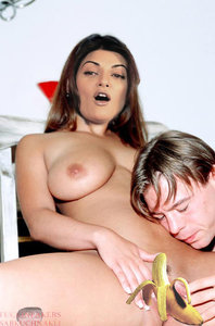 Sushmita Sen Nude Enjoying Fucking in her Virgin Pussy [Fake]
