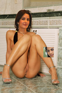 Katrina Kaif Nude Showing her Boobs n Pussy and Inserting Dildo [Fake]
