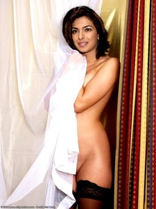 Priyanka Chopra Nude Showing her Boobs n Hairy Pussy [Fake]