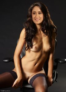 Shweta Tiwari Nude Showing her Boobs n White Ass [Fake]