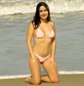 7dvwsbhp4a4w t Katrina Kaif Nude Possing her Boobs n Pussy [Fake]